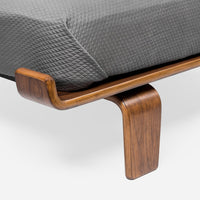 walnut-veneer-queen