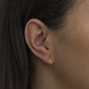 Solid Claw Stud Earring