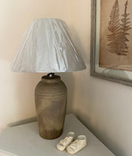 Load image into Gallery viewer, Stone Table Lamp With Shade - www.proven-salle.com