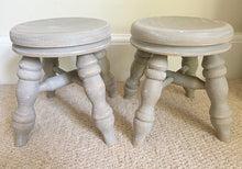 Load image into Gallery viewer, Pair of Milking Stools - Taupe - www.proven-salle.com