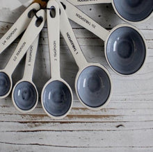 Load image into Gallery viewer, Set of 7 Measuring Spoons