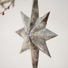 Load image into Gallery viewer, Vintage Style Star Decoration - www.proven-salle.com