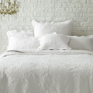 Clarice White Bedspread Throw - Super King