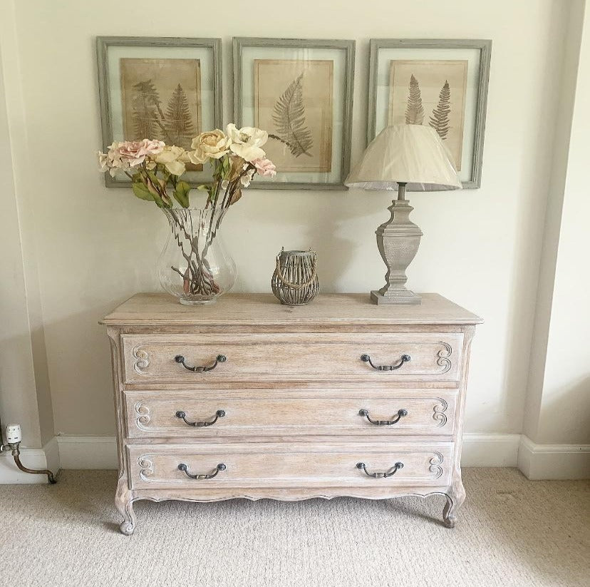 Chest Of Drawers - Lime Wash