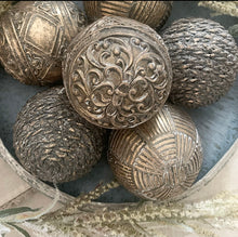 Load image into Gallery viewer, Set of 3 Decorative Metal Balls