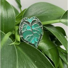 Load image into Gallery viewer, Anthurium Lapel Pin