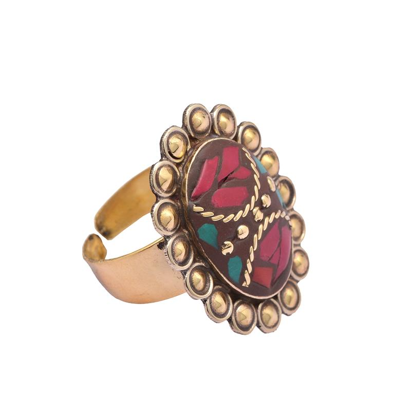 Zephyrr Fashion Oval Tibetan Style Ring Red /& Green Inlay Work on Golden Metal JR-76