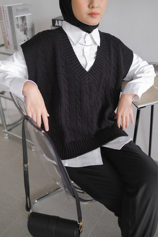Cable Knit Vest Black