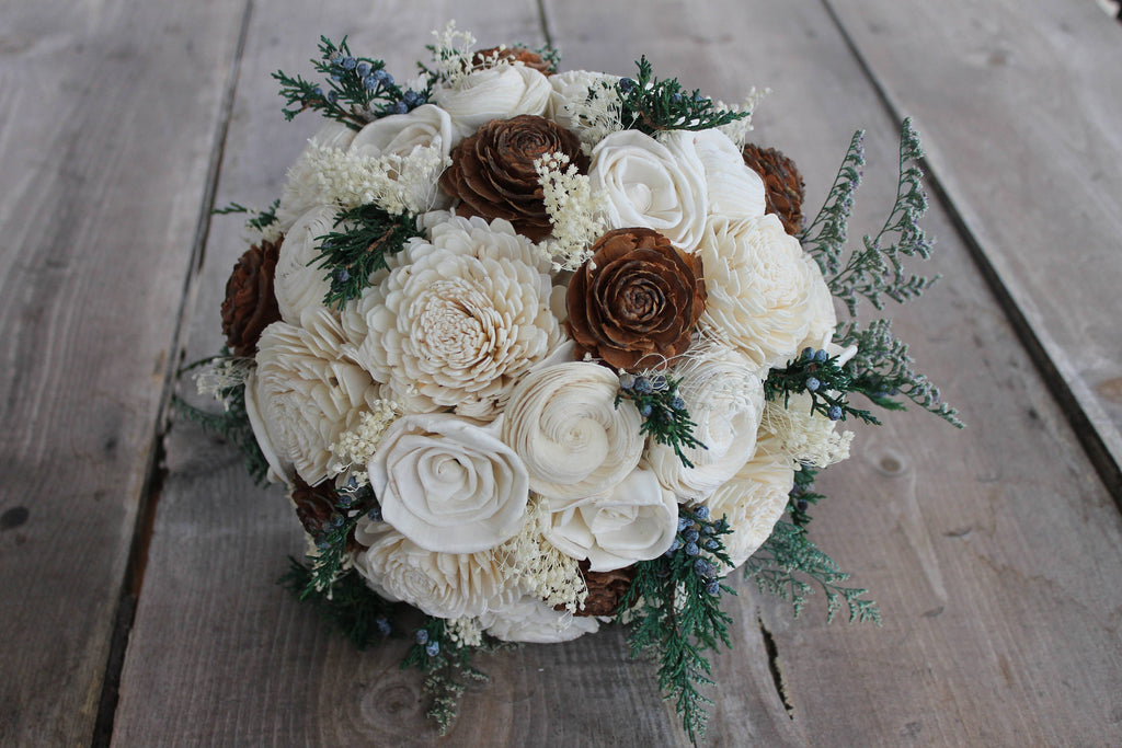 Juniper Berry Sola Bouquet, Ivory Sola Flower Bouquet, Ivory Bouquet, Off White Bouquet, Juniper Bouquet, Cedar Rose Bouquet