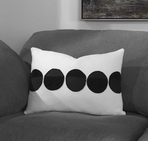 Spot On Pillow - 13 Hub Lane   |