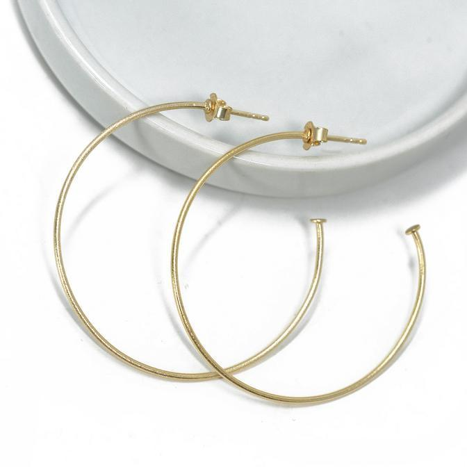 Simple Hoop Earring - 13 Hub Lane   |