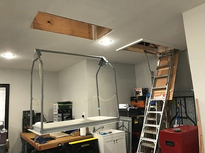 garage lift beside work bench