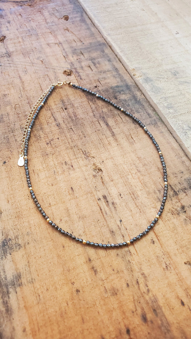 Gray Choker Goldfield Necklace