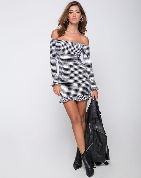 Jazzie Off The Shoulder Dress in Dogtooth by Motel