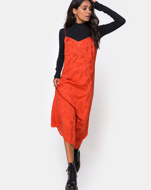 Nolity Midi Dress in Satin Rust Rose by Motel