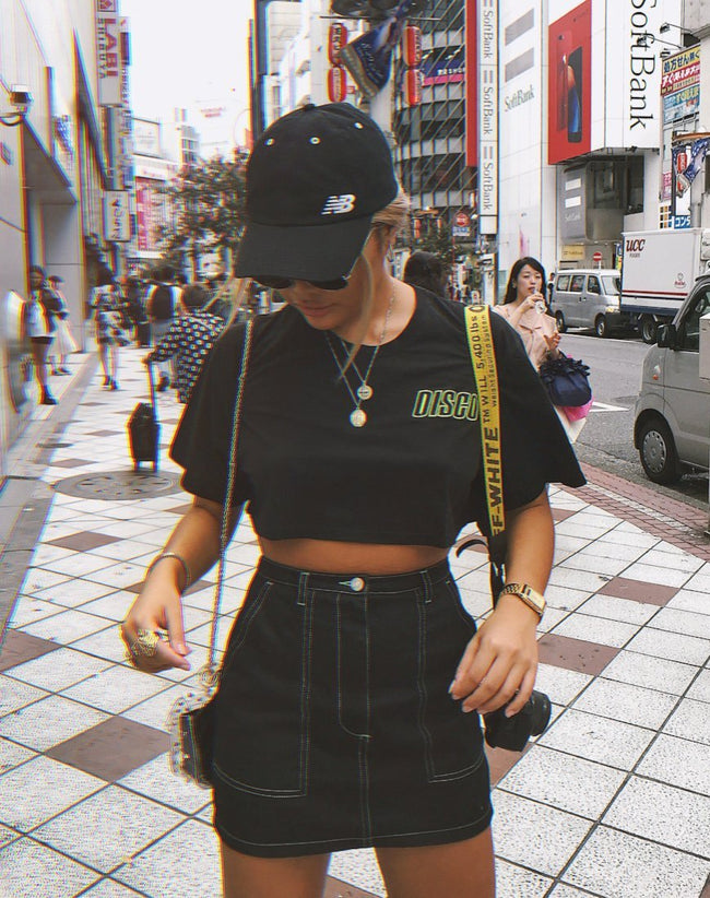 Super Cropped Black Tee in Disco Embro by Motel