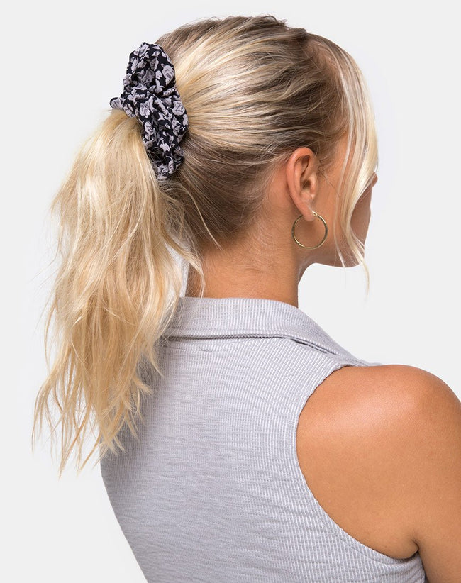 Scrunchie in Ditsy Rose Black by Motel