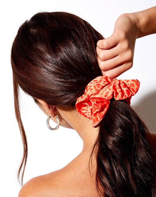 Scrunchie in Sand Leopard Orange