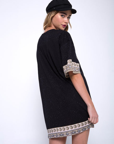 Sunny Kiss Oversize Tee in Eclipse Placement by Motel