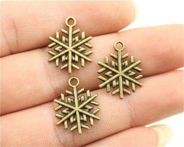 WYSIWYG 10pcs 19x15mm 3 Colors Antique Gold, Antique Silver, Antique Bronze Snowflake Charms Snowflake Pendant Diy Charms