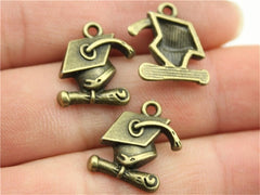 WYSIWYG 10pcs 17x16mm Charm Bachelor Cap 3 Colors Graduation Hat Charms Doctor Cap Pendant Charms For Jewelry Making