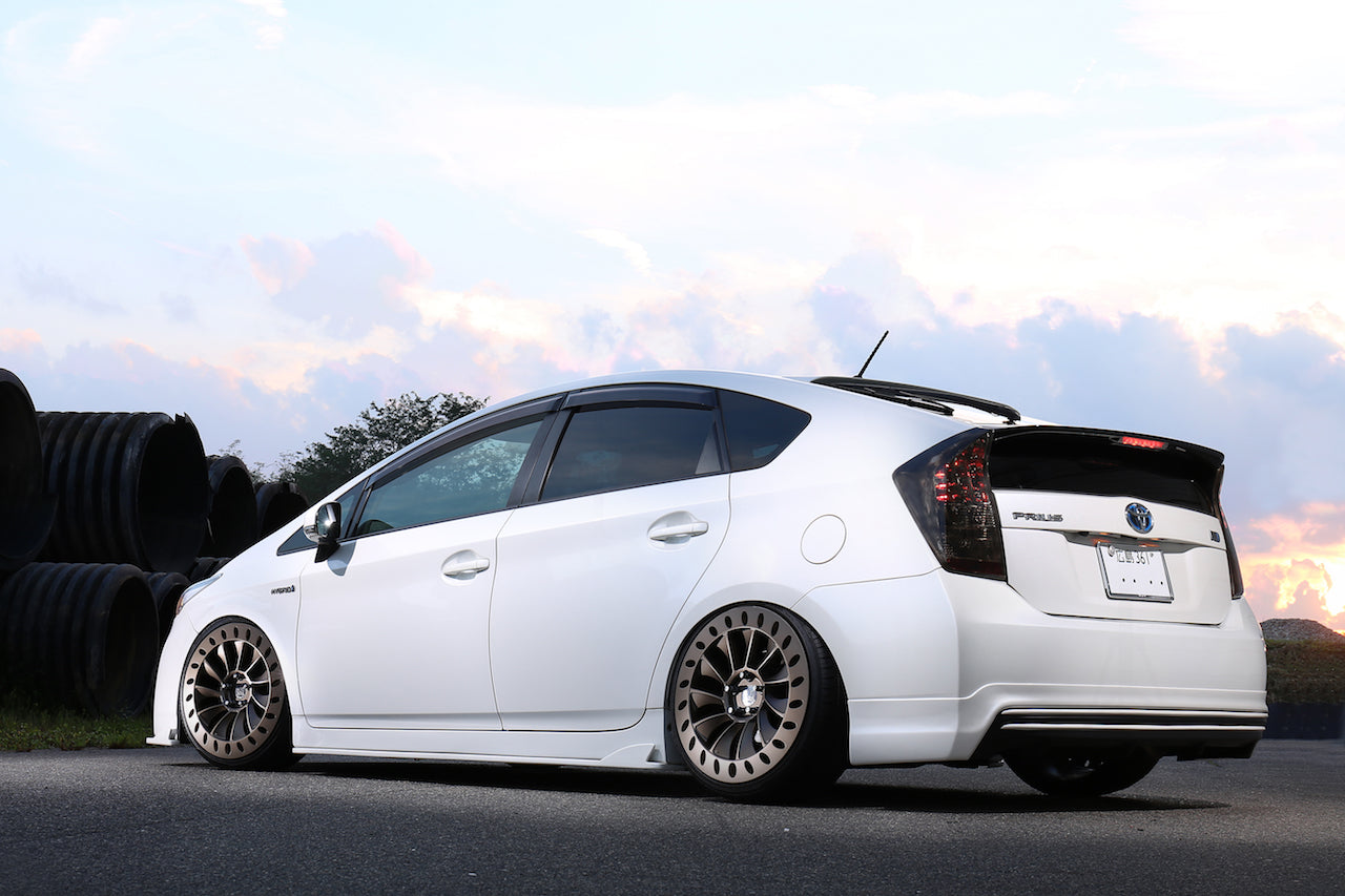 Toyota Prius ZVW30 on Yabaking GT326 Wheels with 326POWER 3D☆STAR Lip Kit