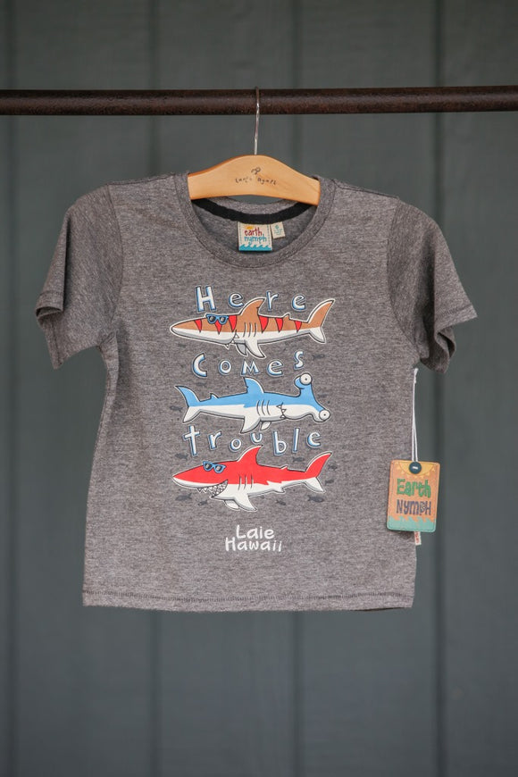 Here Comes Trouble Tee - The Hawaii Store