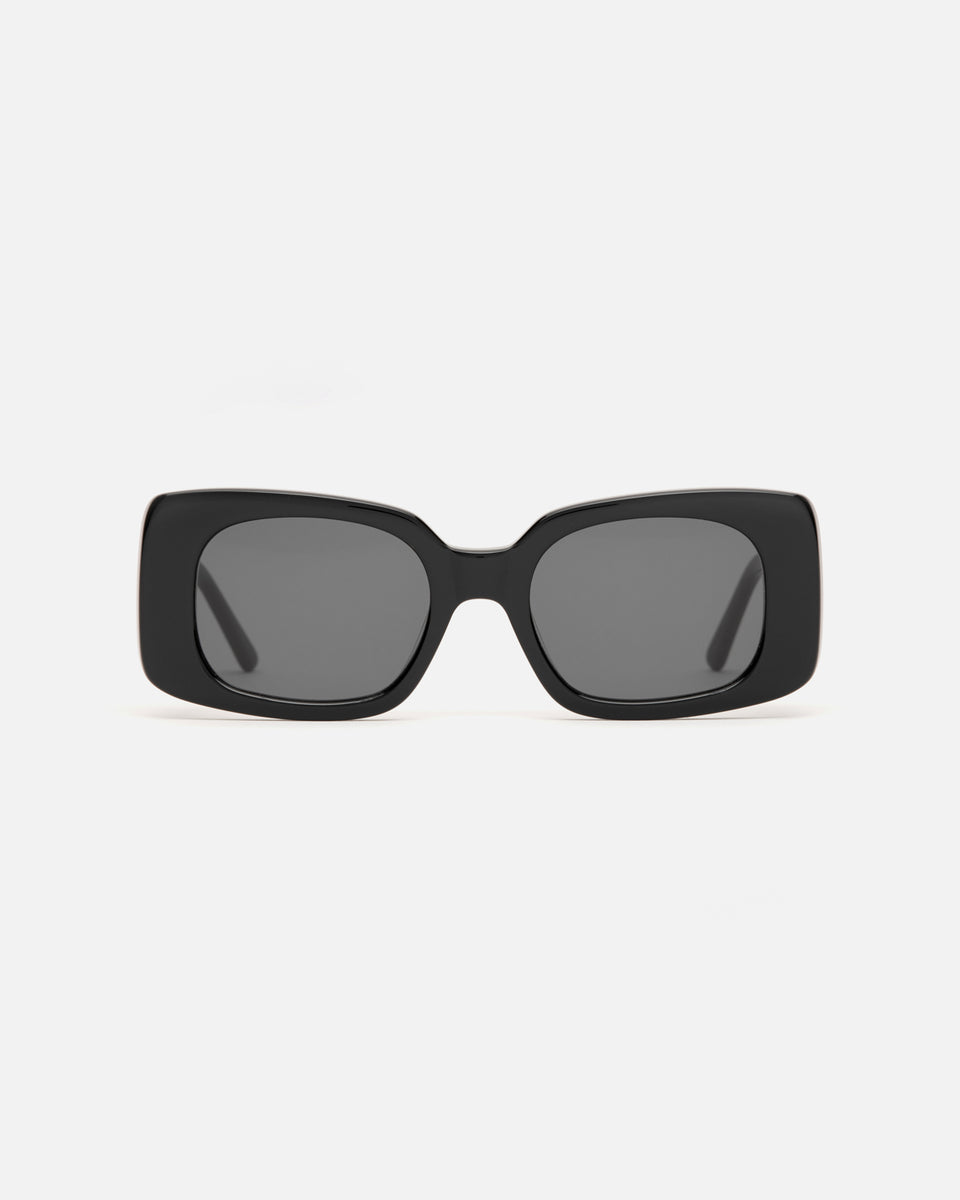Lu Goldie Coco square Sunglasses in black acetate with black lenses, front