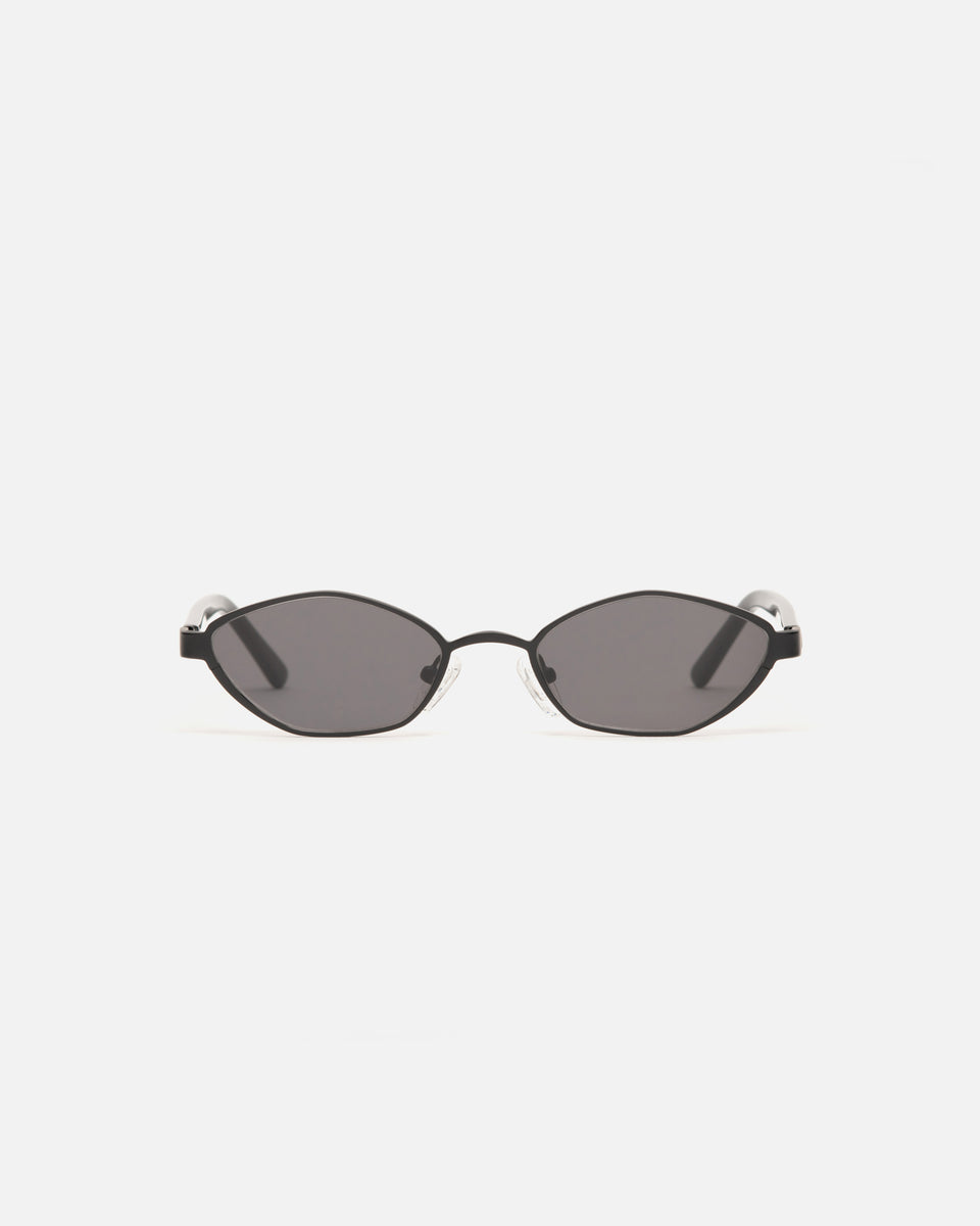 Lu Goldie Farrah Wire Frame Round Sunglasses in Black, front image