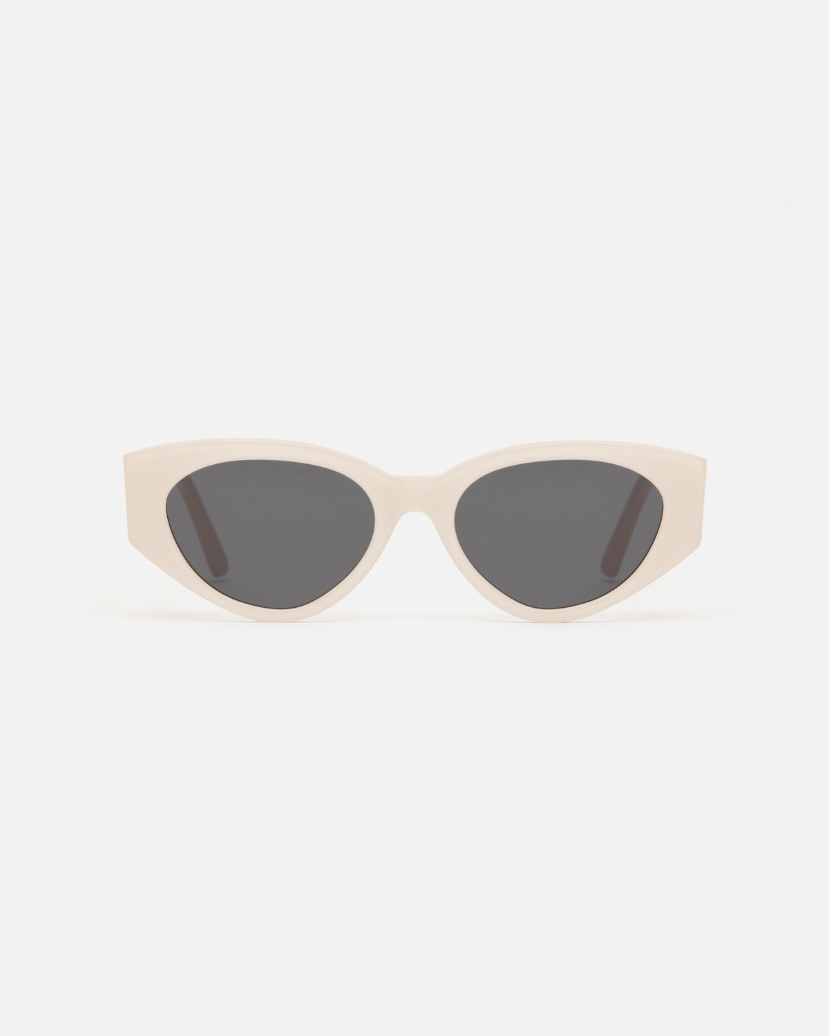 Lu Goldie Giselle oversize Sunglasses in white cream acetate with black lenses, front
