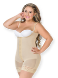 F0068 – Short girdle, free breasts.
