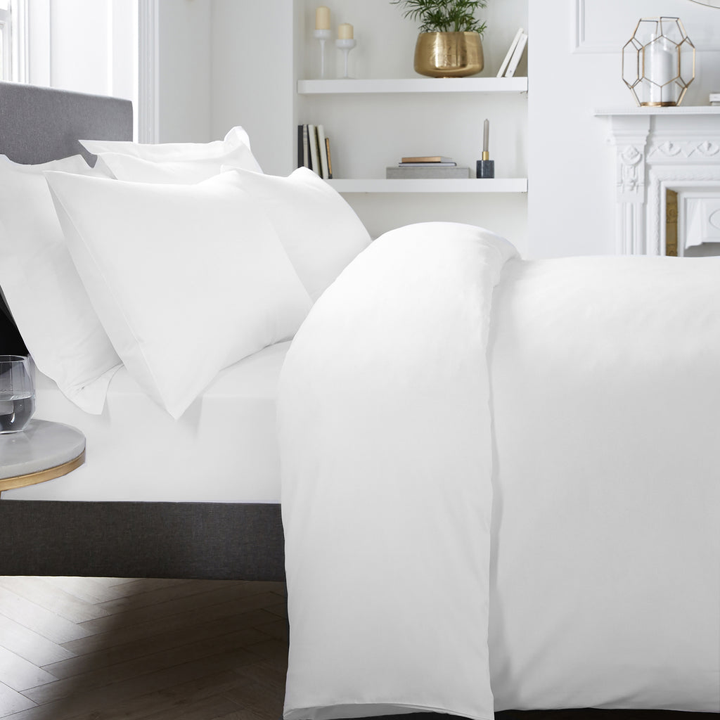 Plain Dye - 400TC Duvet Cover Set - in White by Appletree Signature
