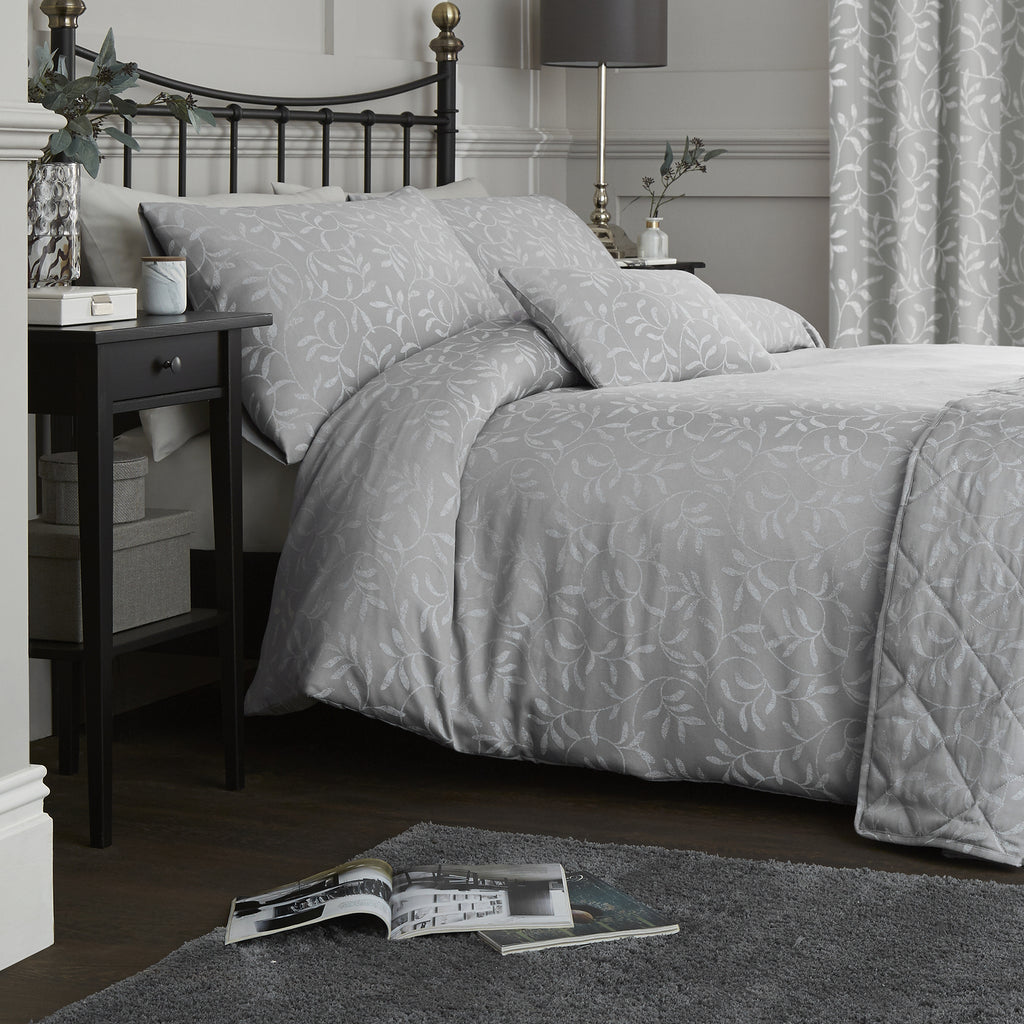 Alexa - 142 TC Jacquard Duvet Cover Set in Silver - by Serene