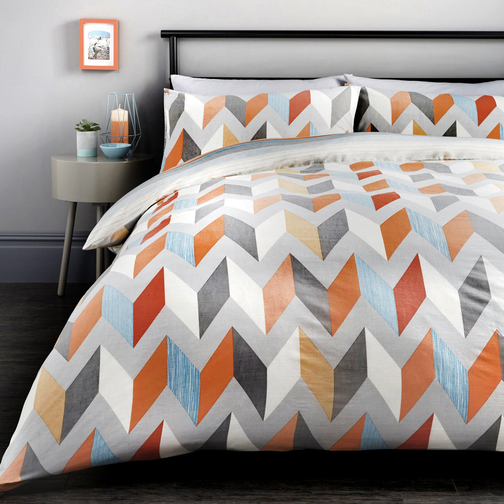 Grafix - Easy Care Duvet Cover Set in Multi- By Fusion