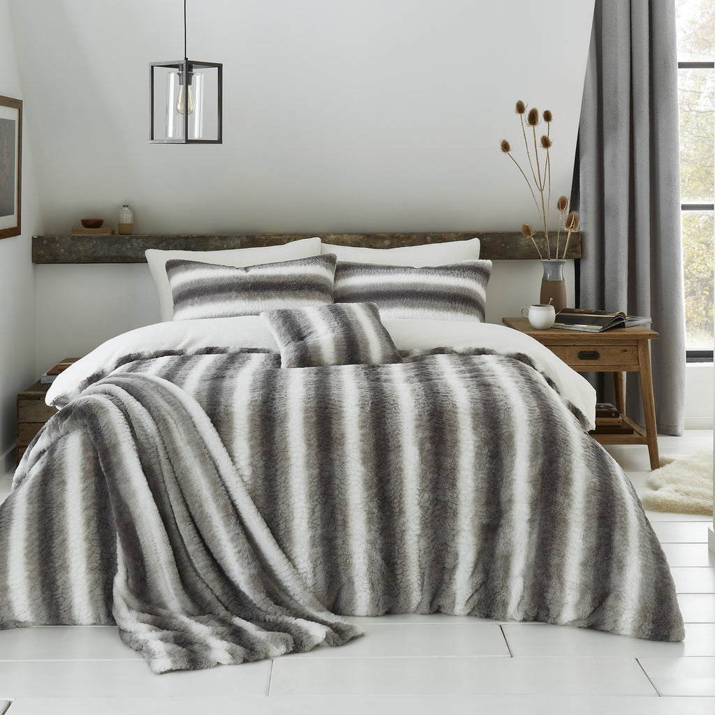 Mae - Fur Lined Fleece Duvet Cover Set in Silver - By Caprice Home