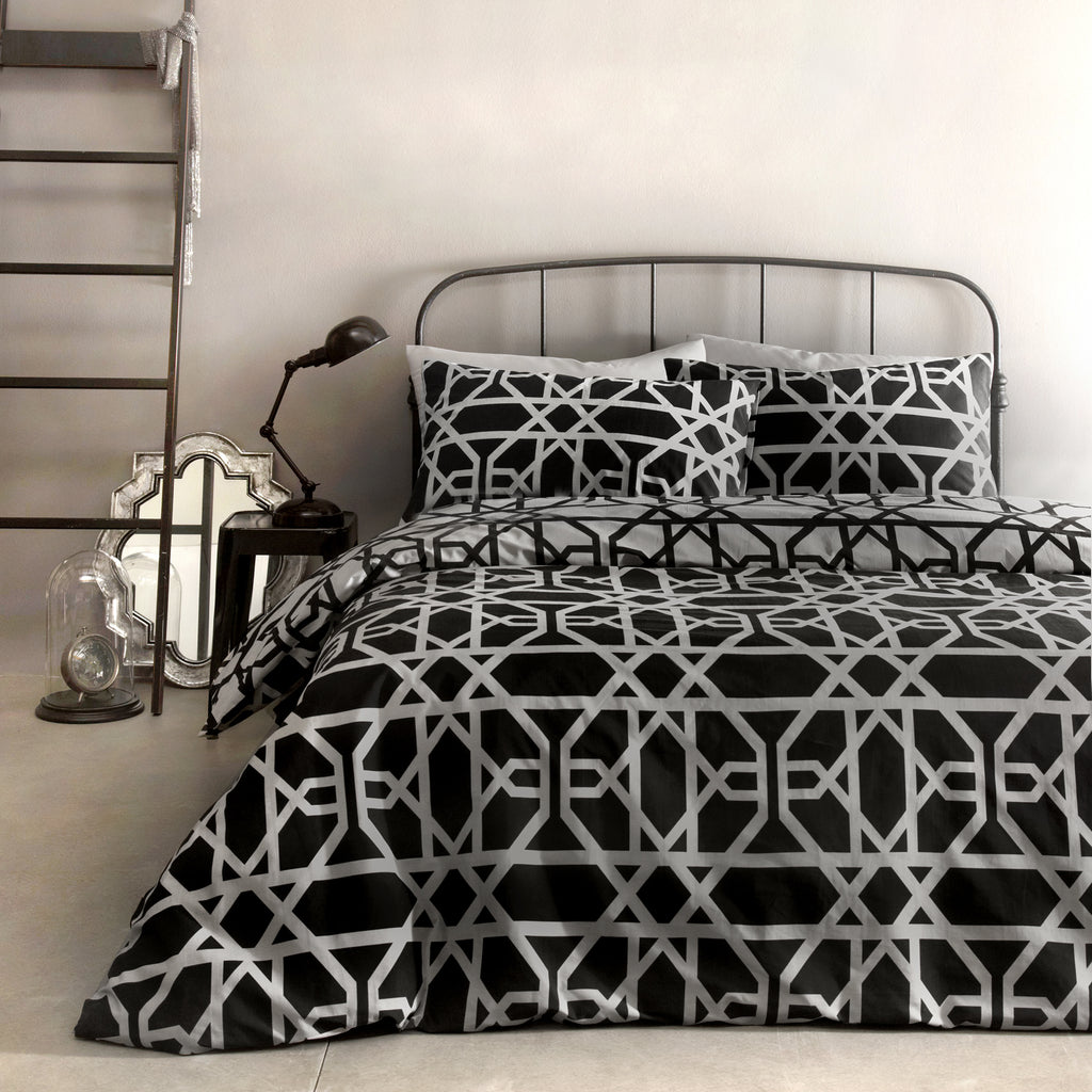 Manila - 100% Cotton Duvet Cover Set in Black - by Appletree
