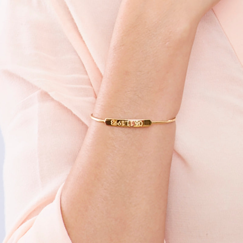 Personal Oval Bangle