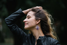 Load image into Gallery viewer, Lilac Ñanduti Geometric Earrings