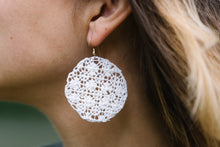 Load image into Gallery viewer, White Criss-Cross Ñanduti Round Earrings