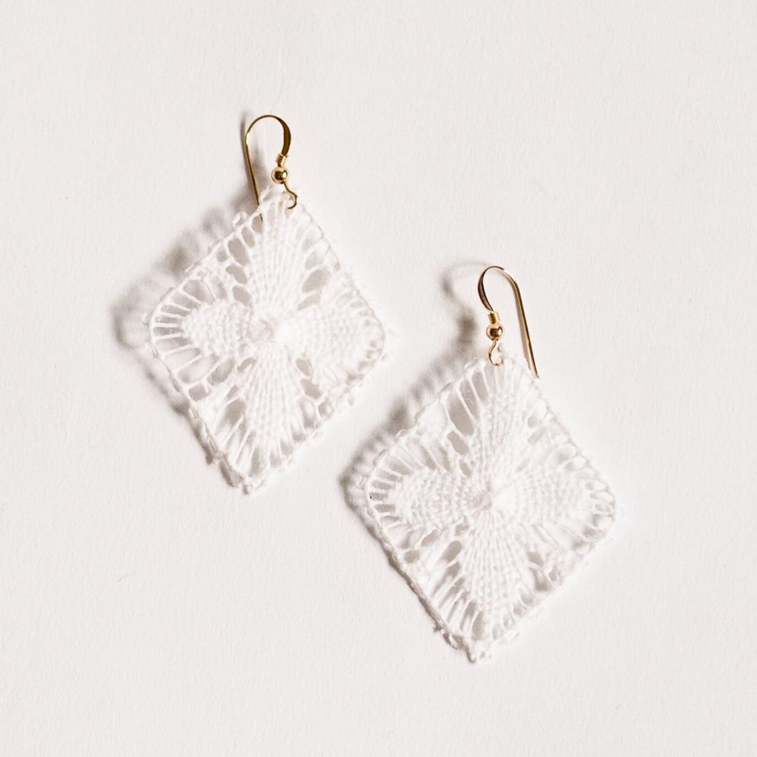 White Geometric Ñanduti Earrings