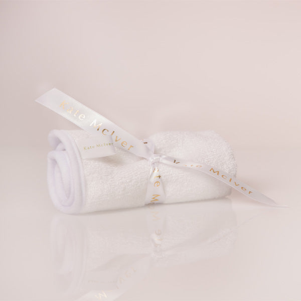 Naturally hypoallergenic, silky soft cleansing cloth
