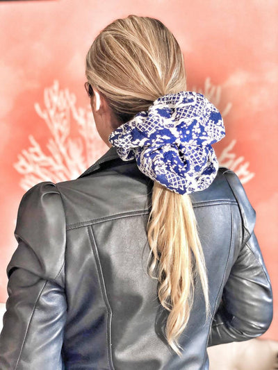 Scrunchie XL Bordado Azul