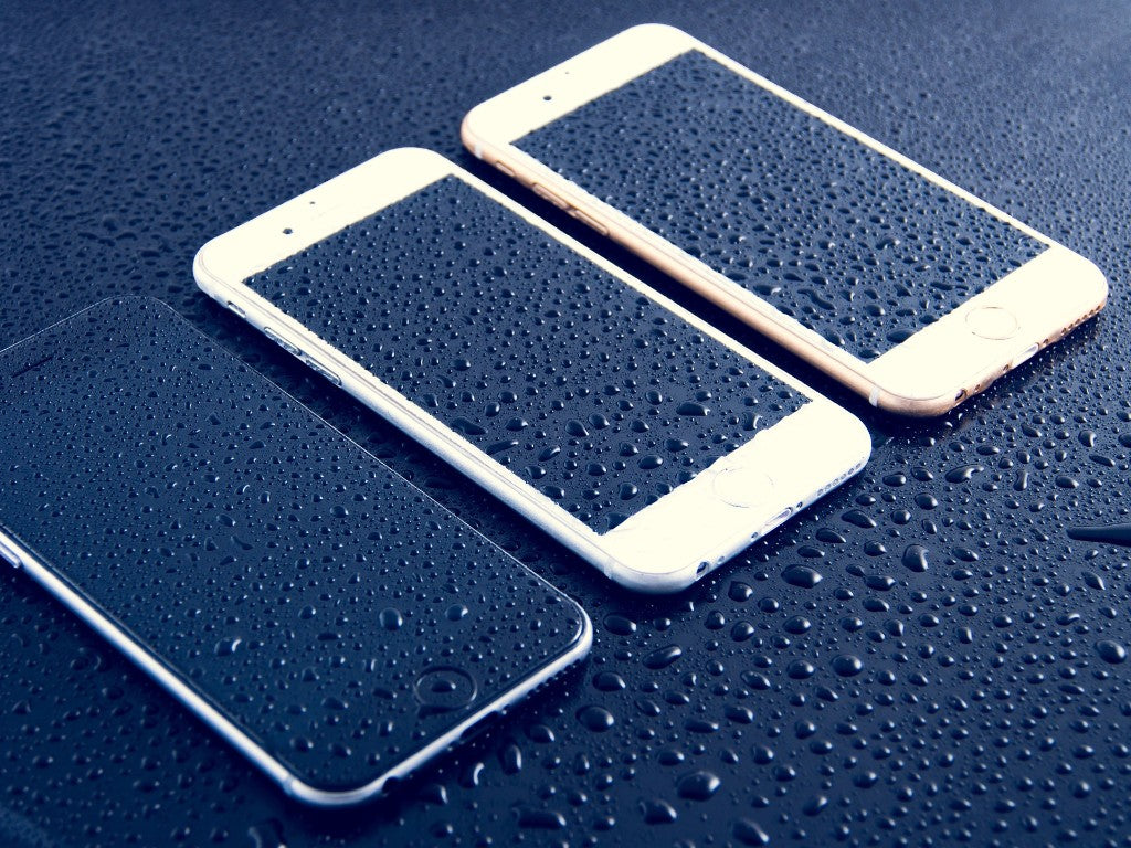 CPR for Waterlogged Phones – How to try and revive your wet tech