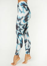 Laden Sie das Bild in den Galerie-Viewer, Yoga 7/8 Leggings OCEAN, Aqua