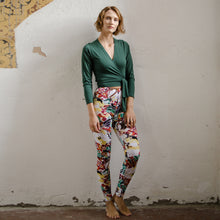 Laden Sie das Bild in den Galerie-Viewer, Yoga-Leggings PAULI, floraler Print