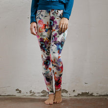 Laden Sie das Bild in den Galerie-Viewer, Yoga-Leggings GEESKE, florales Design