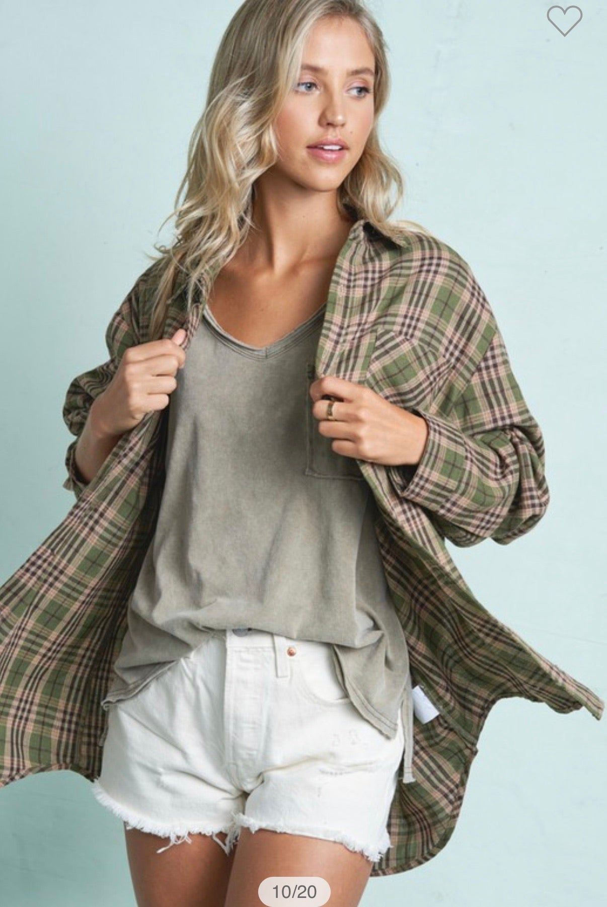 CUTE OVERSIZED PLAID SHIRT
