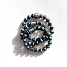 Load image into Gallery viewer, Tuxedo // Tibetan Black Onyx Bracelet