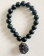 Load image into Gallery viewer, Noir // Onyx and Druzy Charm bracelet