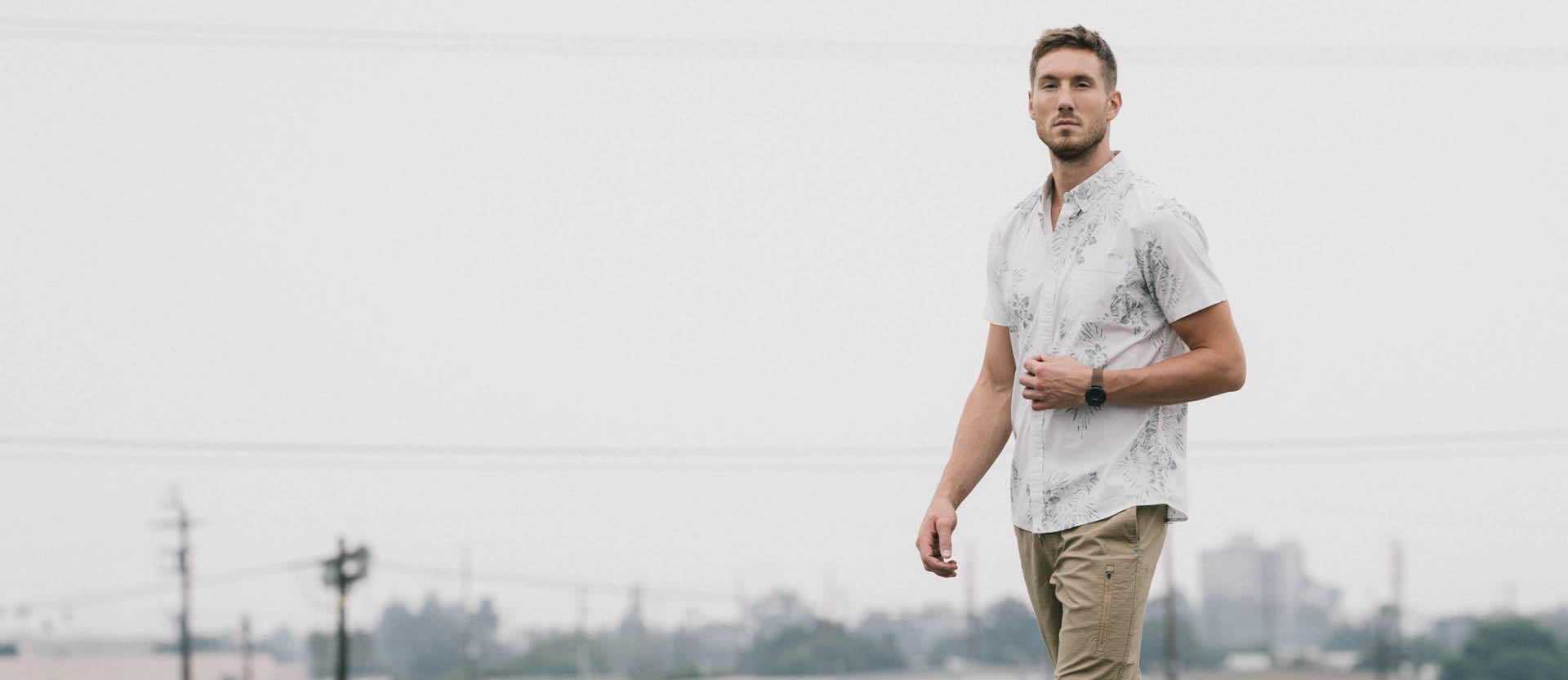 Crest Short Sleeve Button-Down | Grey Micro Dot Image